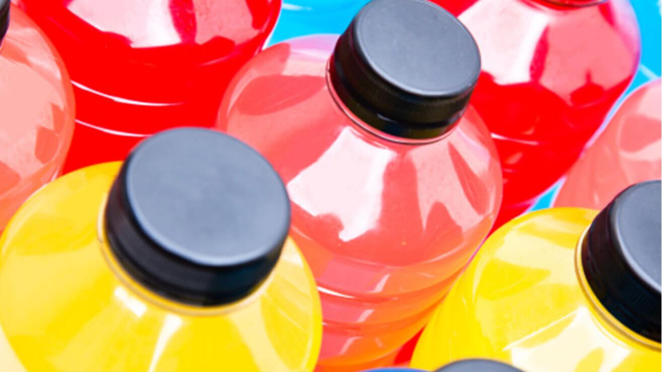 Вред для десен: энергетические напитки