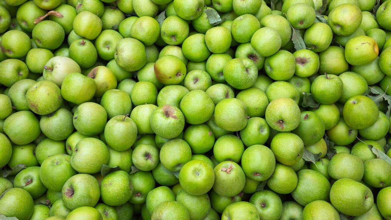 Продукты для здоровья десен: яблоки