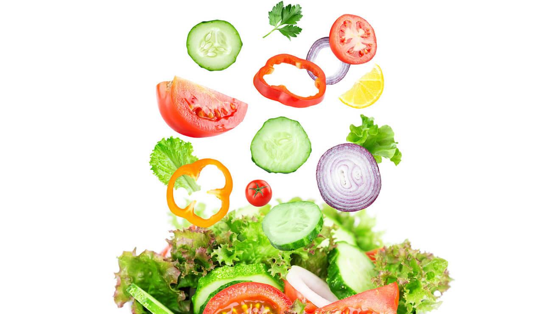 Продукты для здоровья десен: овощной салат