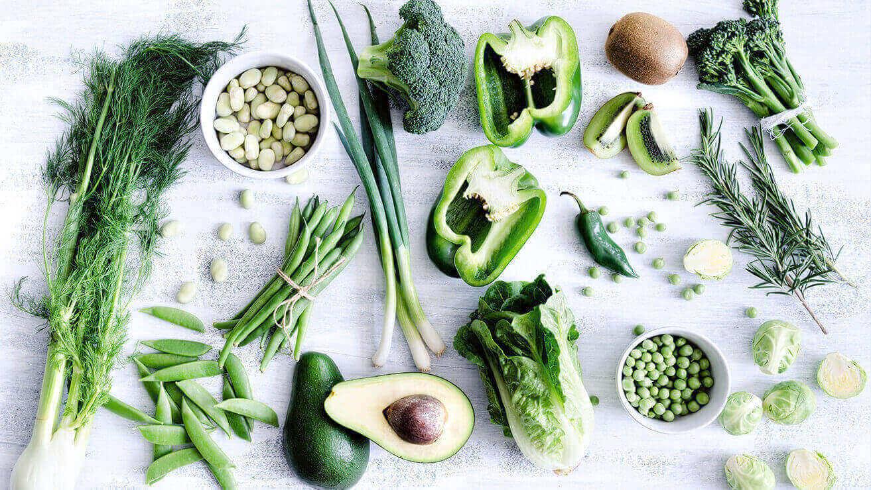 Продукты для крепких и здоровых зубов: зеленолистные овощи