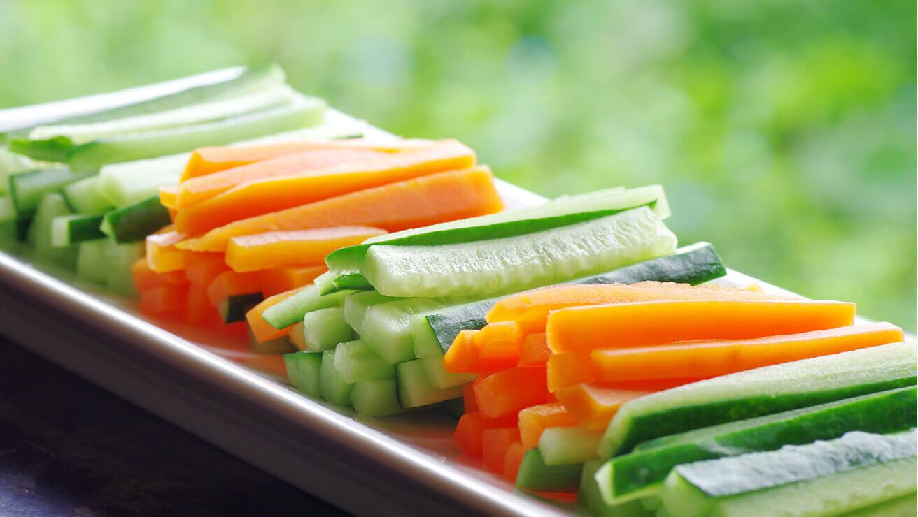 Как избежать неприятного запаха изо рта: еда