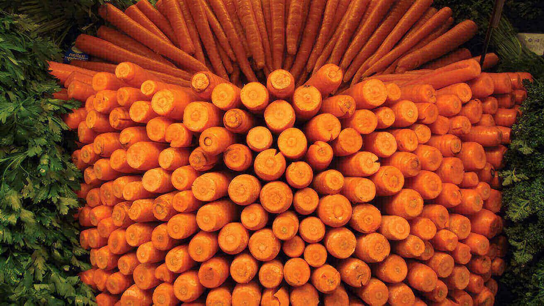 Продукты для крепких и здоровых зубов: морковные палочки