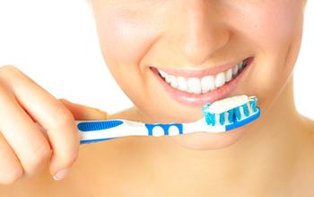 Как правильно чистить зубы от налета, Когда, сколько раз и какой щеткой нужно чистить зубы