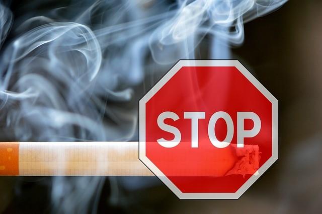 Отказ от курения благотворно скажется на здоровье полости рта