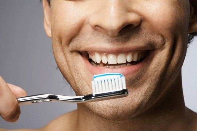 Регулярная гигиена полости рта